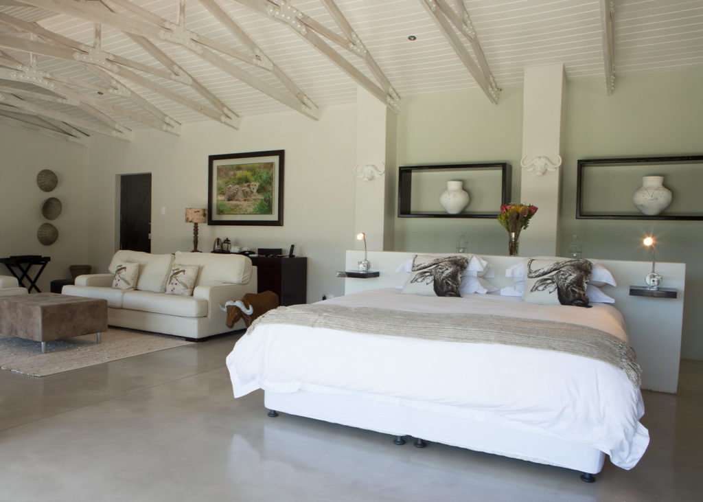 Hopewell-Private-Game-Reserve-Accommodation-Buffalo-Private-Luxury-Suite-Bedroom