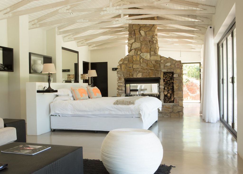 Hopewell-Private-Game-Reserve-Accommodation-Rhino-Private-Luxury-Suite Bedroom