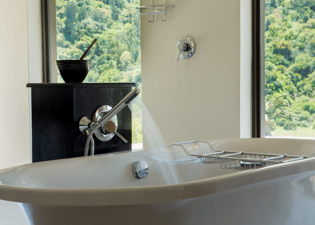 Hopewell-Private-Game-Reserve-Accommodation-Rhino-Private-Luxury-Suite Bath